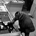 Челнинец украл из кассы магазина 13 тысяч рублей